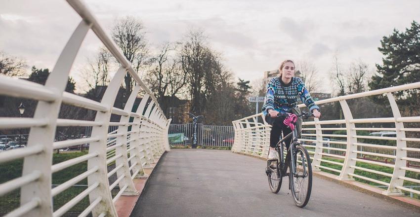 charlotte-manser-bike