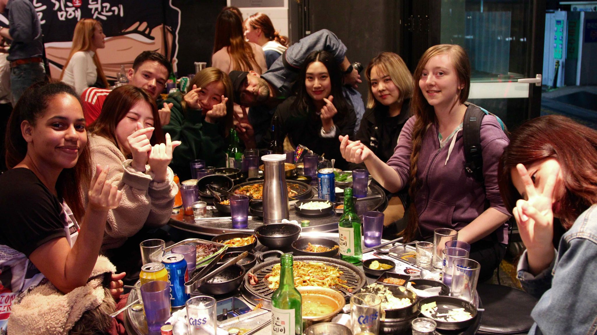 Student eating together