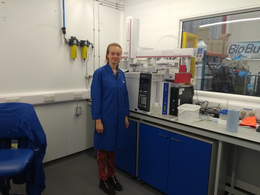 Student Leah in the TasteTech Lab